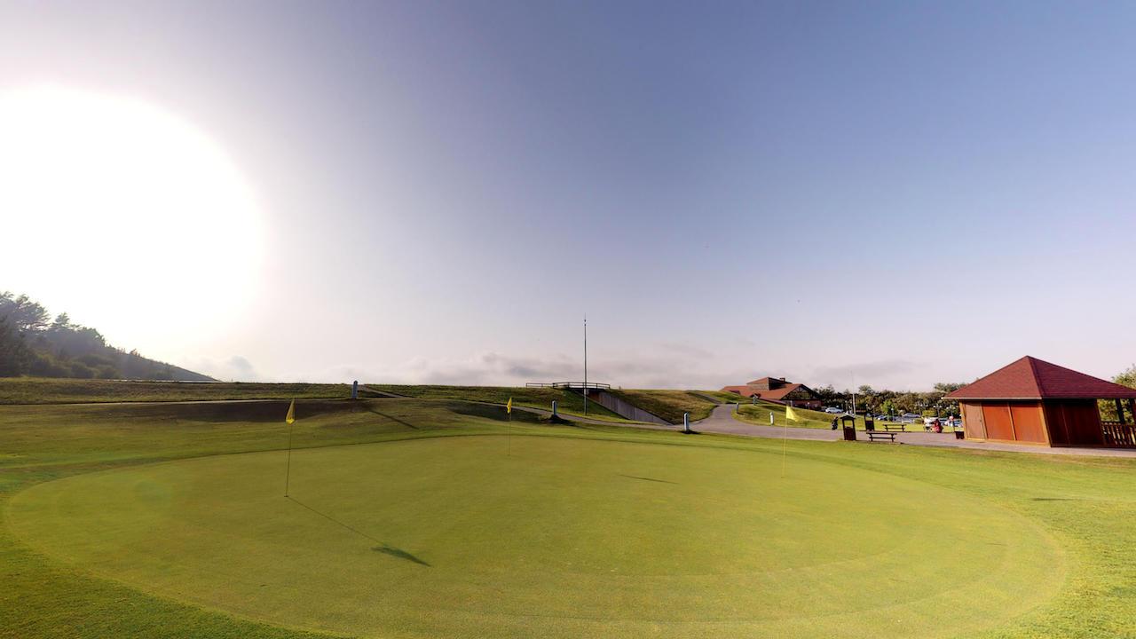 Casa club e instalaciones Campo de golf - Meaztegi Golf.- Bizkaia · Bilbao 0156